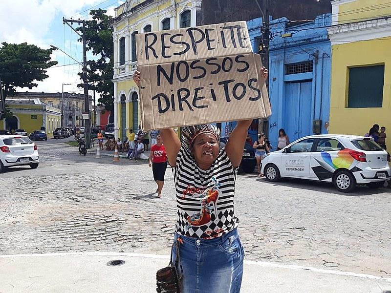 Potira Tabajara durante protesto, realizado dia 20/03, contra ordem de despejo da comunidade Porto do Capim, emitida pela PMJP no dia 19/03.