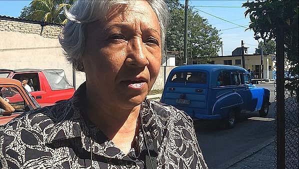 Apesar do voto não ser obrigatório em Cuba, a aposentada Rita Mercado Sastre faz questão de comparecer às urnas
