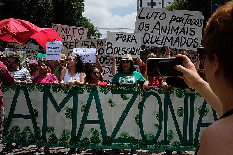 Protesto em defesa da Amazônia em Manaus.