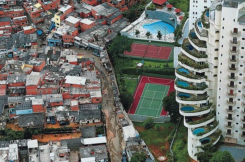 O Rio também recuou, de 12,4% para 11,6%, enquanto Minas cresceu de 8,3% para 8,9%.
