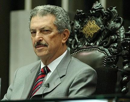 Morto em 2010, ex-senador Romeu Tuma (acima) dirigiu o Dops durante Ditadura Militar