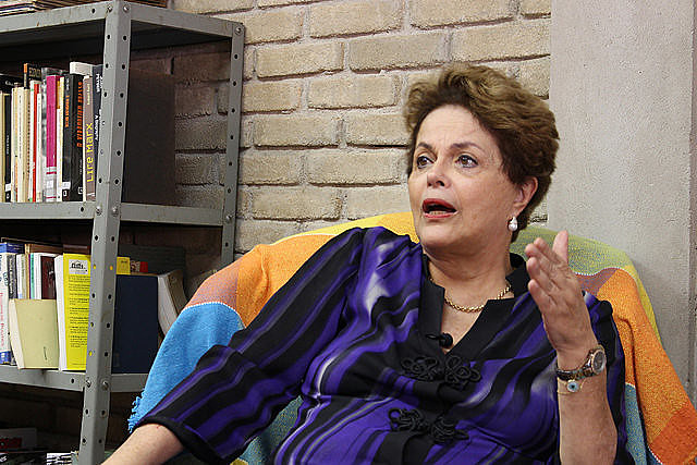 Dilma Rousseff visited the Florestan Fernandes National School in São Paulo this Monday (11)