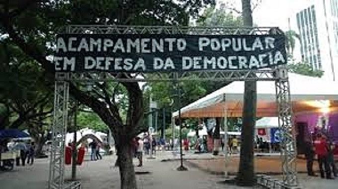 O Acampamento virou símbolo d luta pela Democrcia no Recife