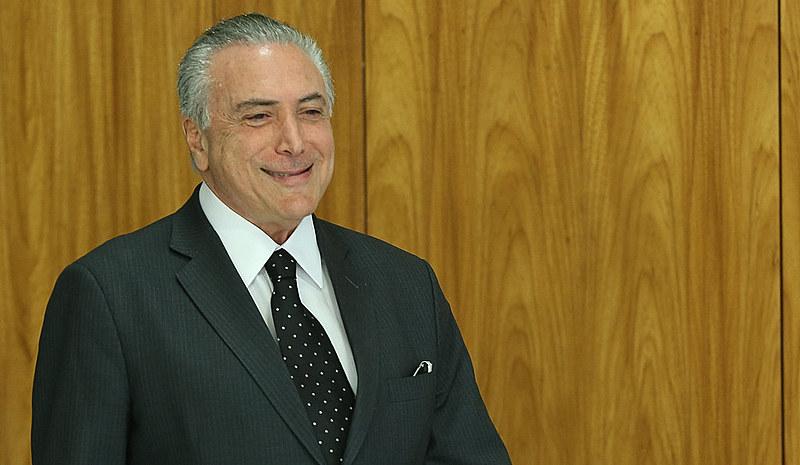 """Benedito Barbosa, da União dos Movimentos de Moradia, diz que Temer (acima) é """"Robin Hood às avessas"""""""