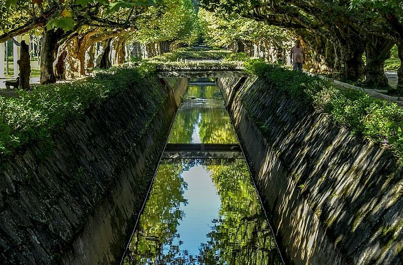 Canal do Rio Bengo, no Parque das Águas, em Caxambu, Minas Gerais, uma das áreas de atuação da Maximus