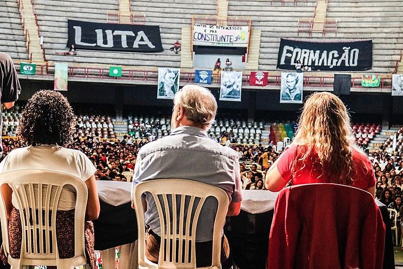 Mesa do segundo dia do 3º Acampamento Nacional do Levante Popular da Juventude