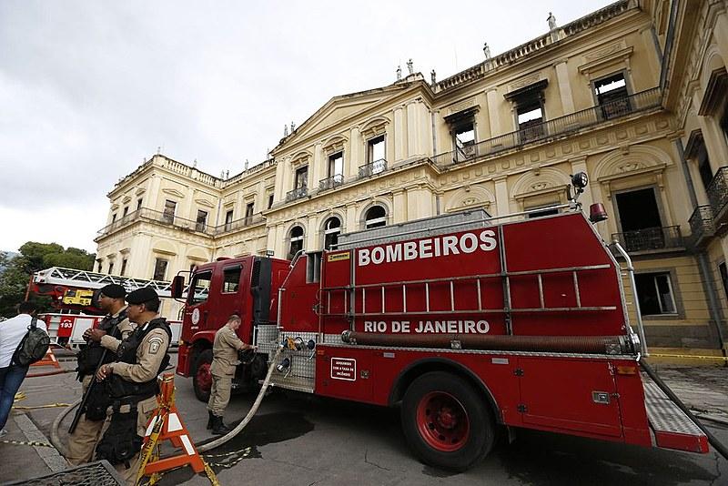 Museu Nacional perdeu 90% de seu acervo no incêndio do último domingo