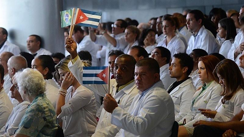 """Médicos cubanos estão deixando o país após declarações """"ameaçadoras"""" de Bolsonaro"""
