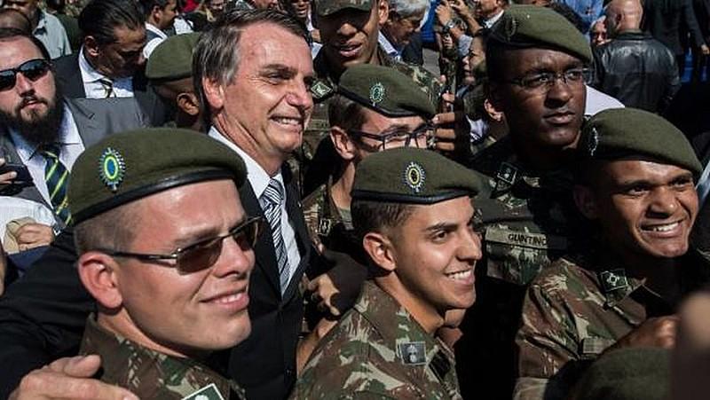 TV verde-oliva, a serviço de Bolsonaro e das Forças Armadas, vai ao ar a partir do dia 10 de abril