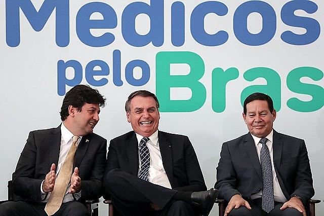 Durante anúncio do Médicos pelo Brasil, em agosto, presidente criticou o Mais Médicos, que chegou a atender cerca de 60 milhões de pessoas.