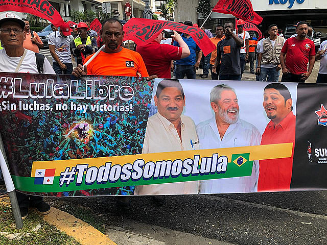 Demonstration in Panamá in solidarity with former president Lula calls for his freedom