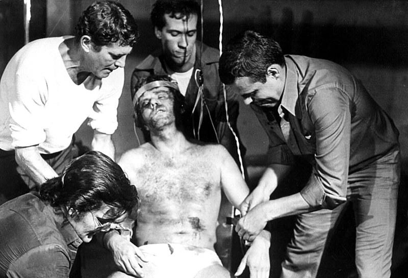 """""""Pra Frente Brasil"""", de Roberto Farias, fala sobre terror e crueldade durante a Copa de 70"""