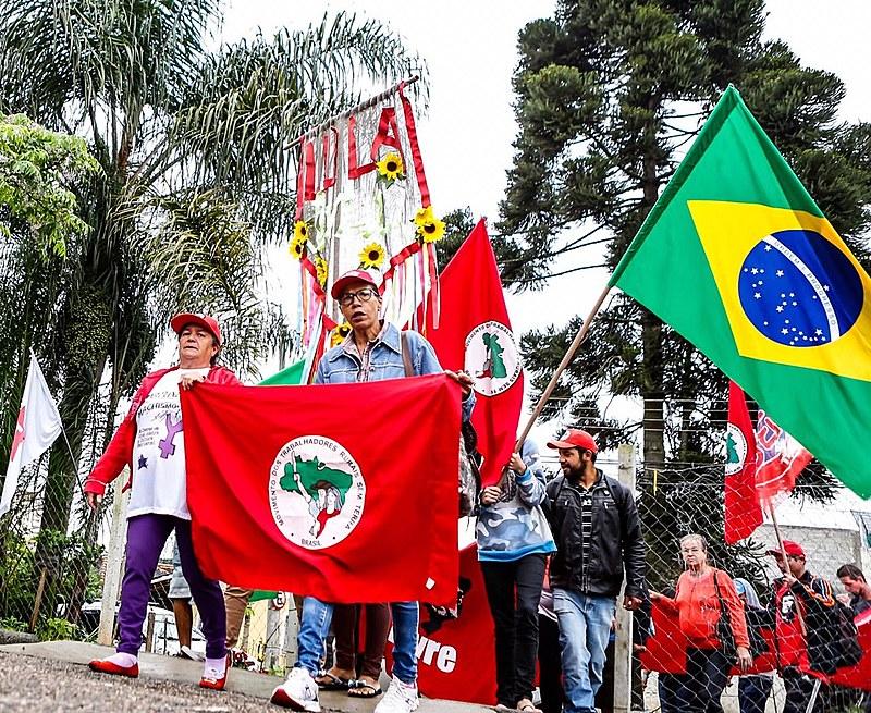 Para juristas, perseguição de Bolsonaro a movimentos sociais pode configurar crime de responsabilidade