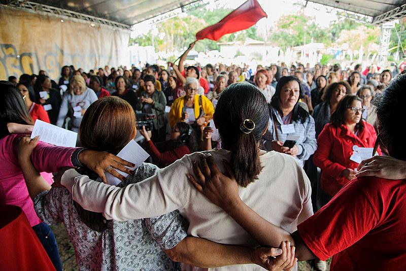 Direitos e desafios, representatividade política e faces das violências contra a mulher foram os principais temas debatidos no evento