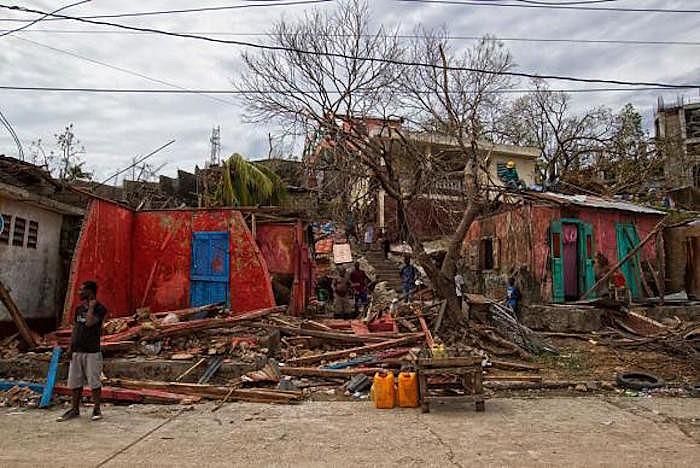 Área devastada no Haiti, após a passagem do furacão Matthew
