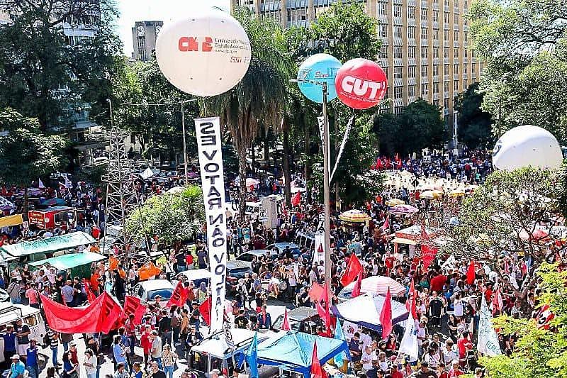 Milhares foram às ruas em Belo Horizonte