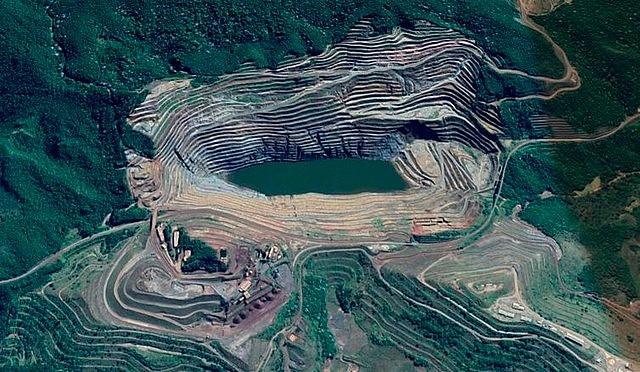 Vista aérea da região que pode ser atingida pela lama