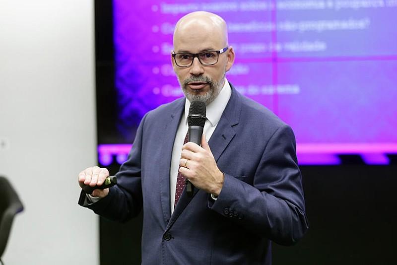 Fabio Zambitte, professor da UERJ, participou de audiência pública sobre o regime de capitalização e avaliação atuarial