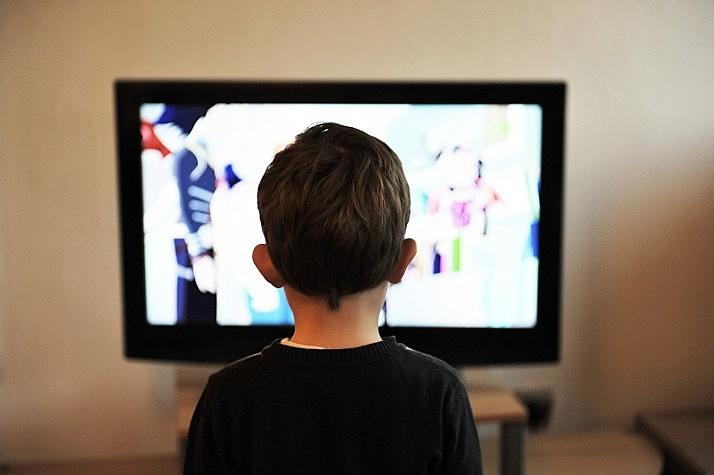 Pesquisas nacionais e internacionais apontam que publicidade direcionada a crianças compromete o desenvolvimento psicossocial