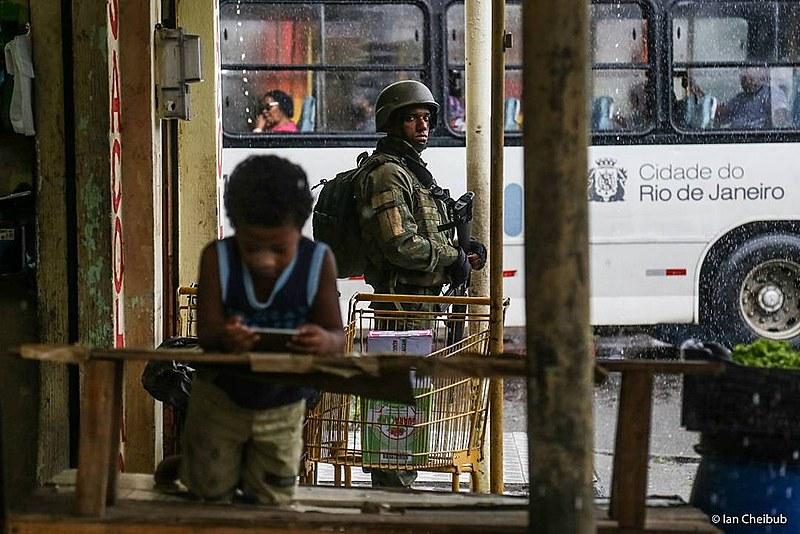 """""""Política de armar a população tende a ser um tiro no pé a piorar muito a situação da segurança pública no país"""", diz Daniel Misse"""