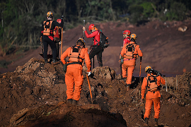 Rescue crews resumed searches for survivors on fourth day after dam broke in Brumadinho area, southeastern Brazil