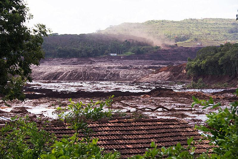 Queda no preço internacional do minério de ferro ativou a estratégia capitalista do aumento da produção
