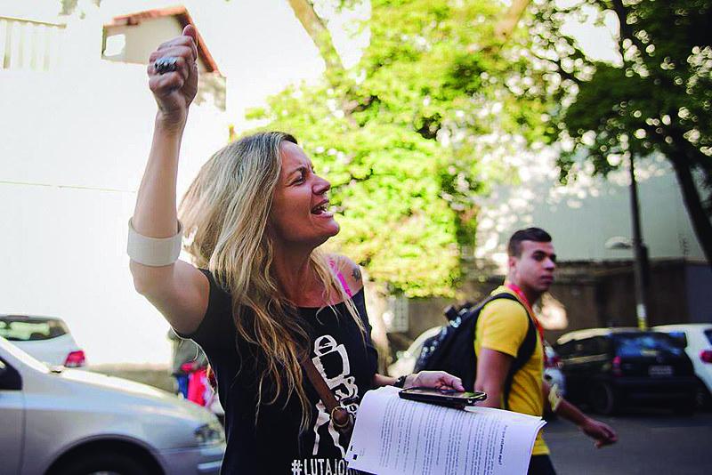 """Alessandra Mello: """"O trabalhador precisa caminhar junto com o sindicato para formar uma trincheira de luta"""""""