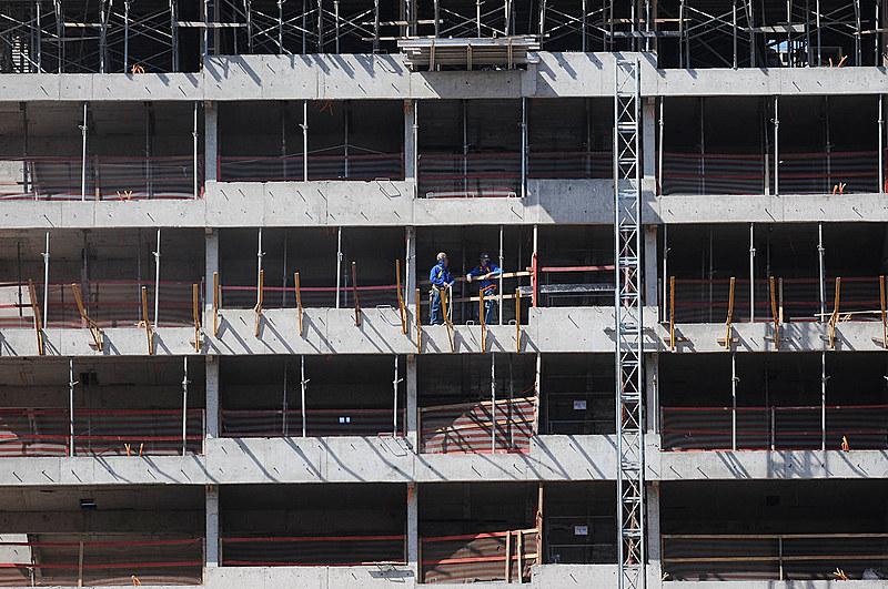 A construção civil foi o setor que mais fechou postos de trabalho no trimestre encerrado em fevereiro deste ano, segundo o IBGE