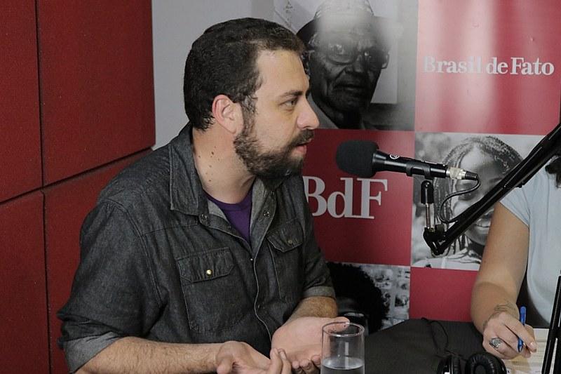 Guilherme Boulos concedeu entrevista exclusiva ao programa No Jardim da Política, da Rádio Brasil de Fato