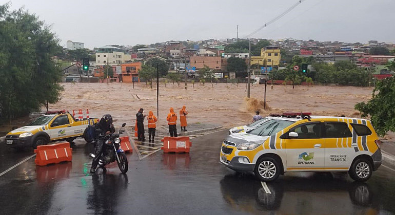 Em Minas Gerais, 61 pessoas perderam a vida nas últimas semanas por conta em desabamentos e alagamentos