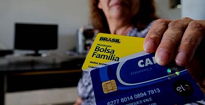 Cartão Bolsa Família beneficia milhões de brasileiros em situação de pobreza extrema e ajuda a reduzir desigualdade social