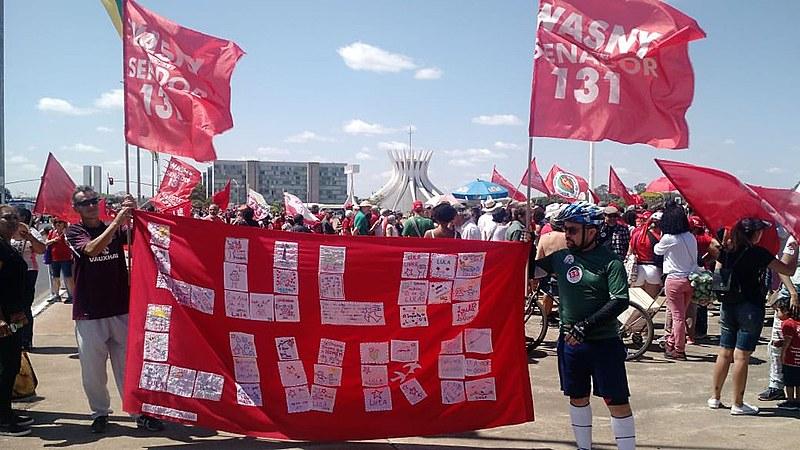 Defesa dos direitos políticos do ex-presidente Luiz Inácio Lula da Silva também foi uma das tônicas da manifestação