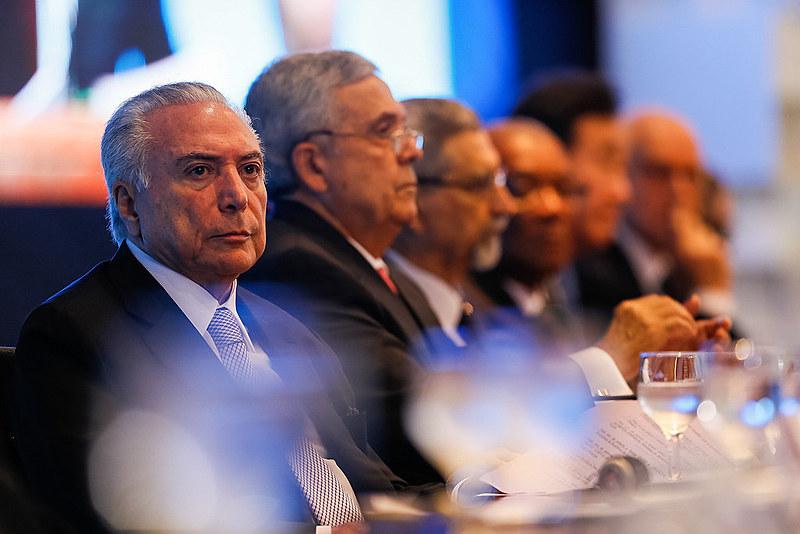 O ocupante do Palácio do Planalto já concedeu muitas facilidades às multinacionais do petróleo que com a visita de Pence vai se intensificar