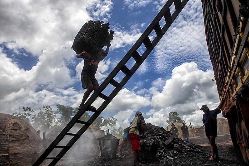 Trabalhadores em situação de escravidão foram encontrados nos setores da construção civil, produção de carvão e em fazendas