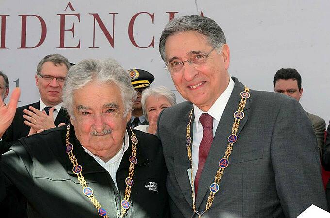 Mujica esteve em ato com o governador mineiro Fernando Pimentel