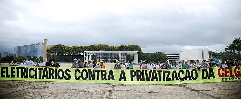 A Celg pertence hoje àEletrobras(50,93% do capital social) e ao governo de Goiás (49% do capital), cujo valor total equivale a R$ 1,791 bilhão