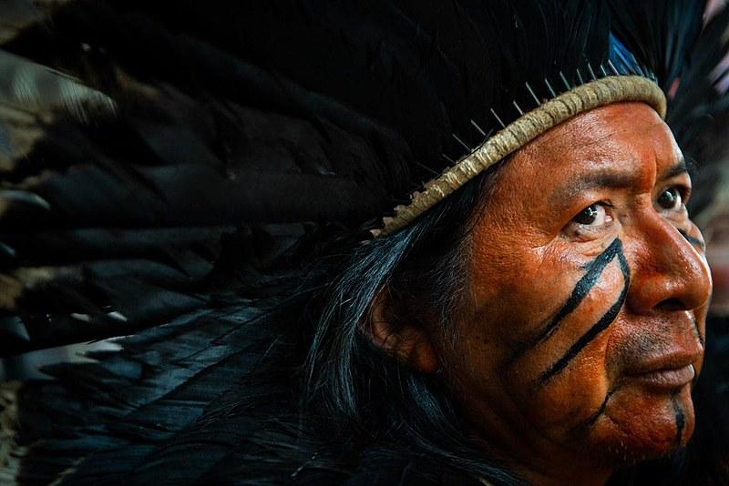 """Escritor indígena Kamuu Dan Wapichana, autor do livro recém-lançado """"O sopro da vida"""""""