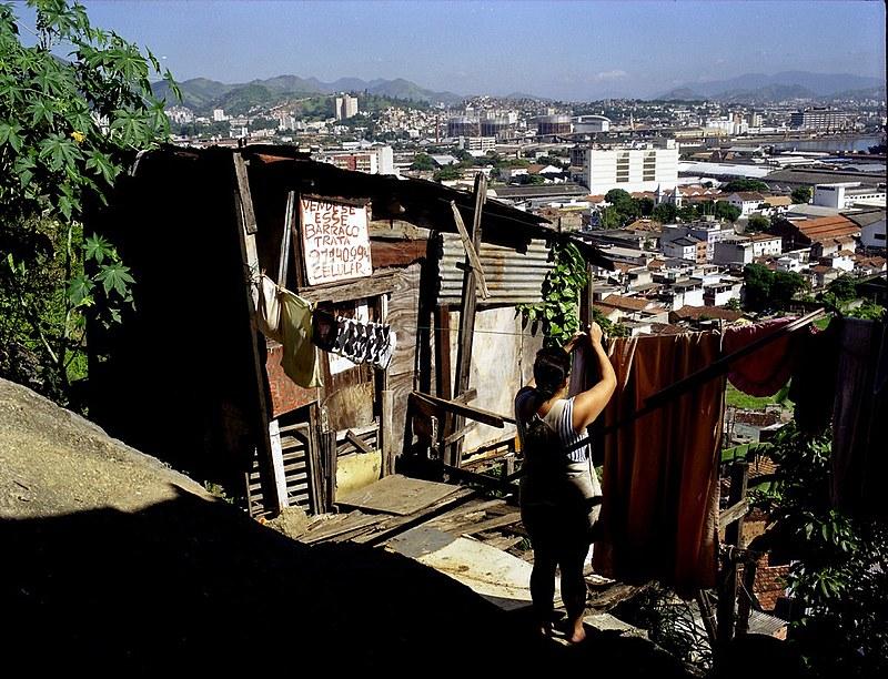 O Morro da Providência, foi a primeira favela do Brasil. Ela foi construída por ex-soldados cariocas, depois delutarem na Guerra de Canudos