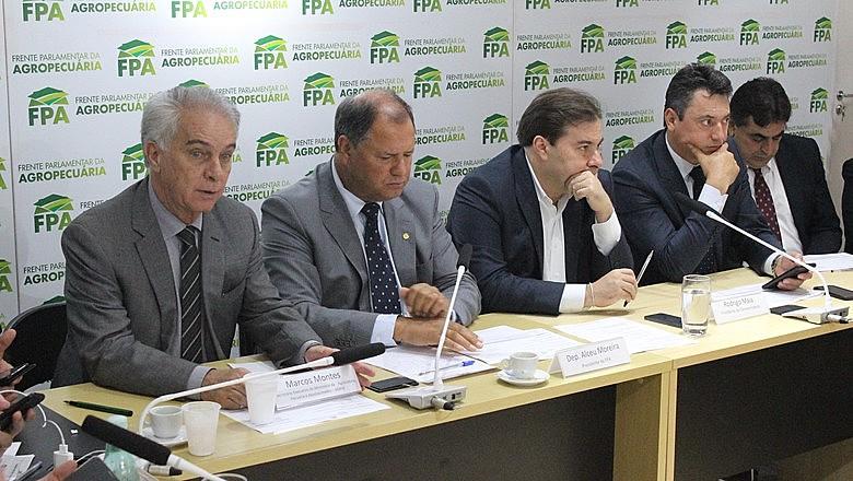 Bancada ruralistas lidera aquisição de passaportes diplomáticos na Câmara dos Deputados