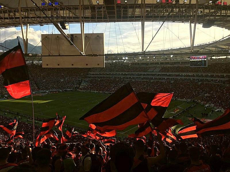 """Essas torcidas têm inspiração nas """"Barras Bravas"""", um movimento de torcedores muito comum na América do Sul"""