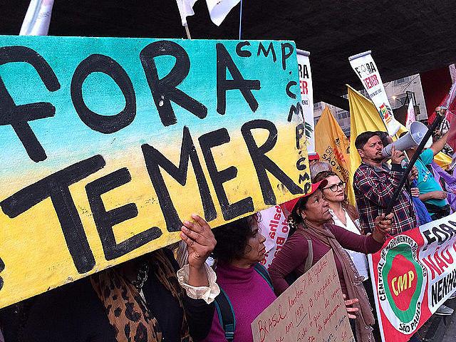 Protestas por la destitución del presidente no electo continúan aconteciendo en las calles de todo el país