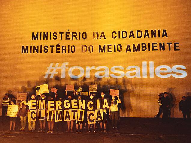 Políticas antiambientais do governo de Jair Bolsonaro (PSL) foram questionadas em todos os atos