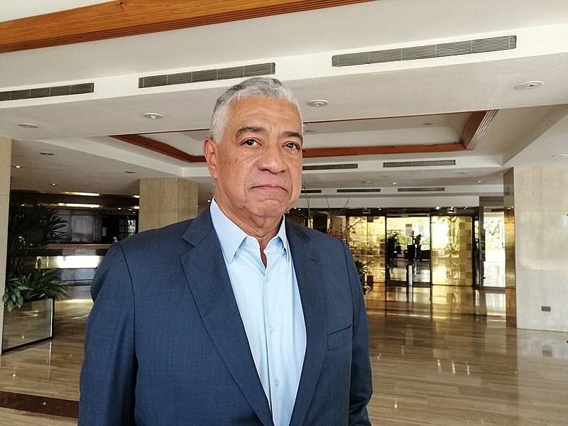 Líder opositor faz duras críticas ao governo e a oposição da Venezuela