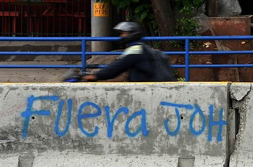 Mobilizações pedem a renúncia do presidente Juan Orlando Hernández (JOH).