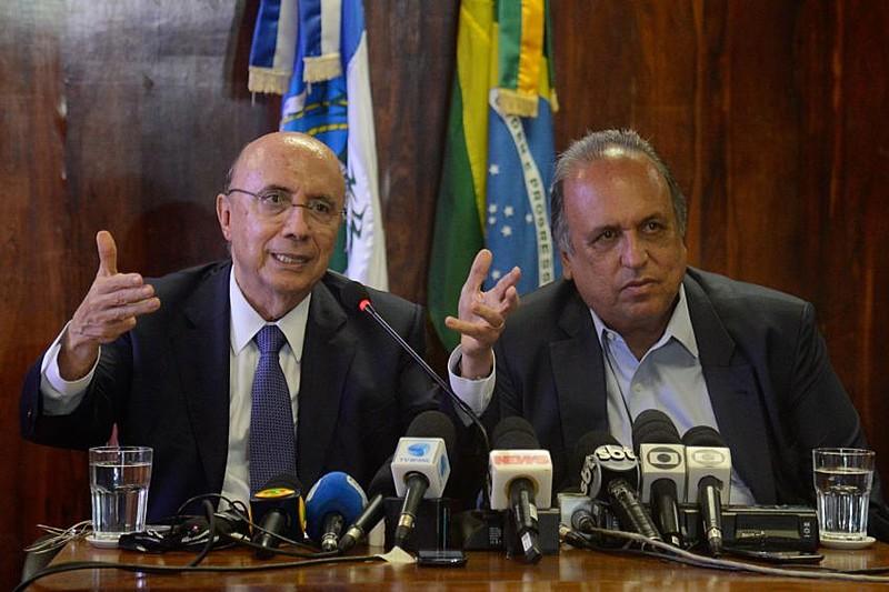 O então ministro da Fazenda, Henrique Meirelles, e o governador do Rio, Luiz Fernando Pezão, em reunião sobre o regime de recuperação fiscal