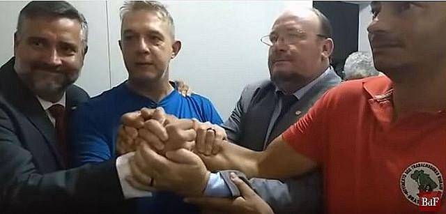 El geógrafo, Valdir Misnerovicz (centro), recibió el habeas corpus el martes (18), por decisión del STF