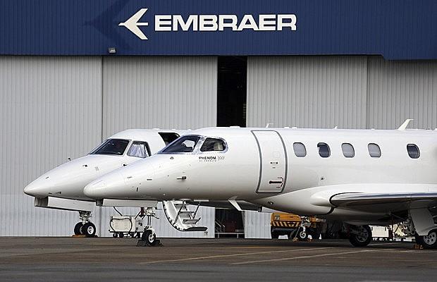 Criada em 1969, Embraer é referência mundial na fabricação de aeronaves