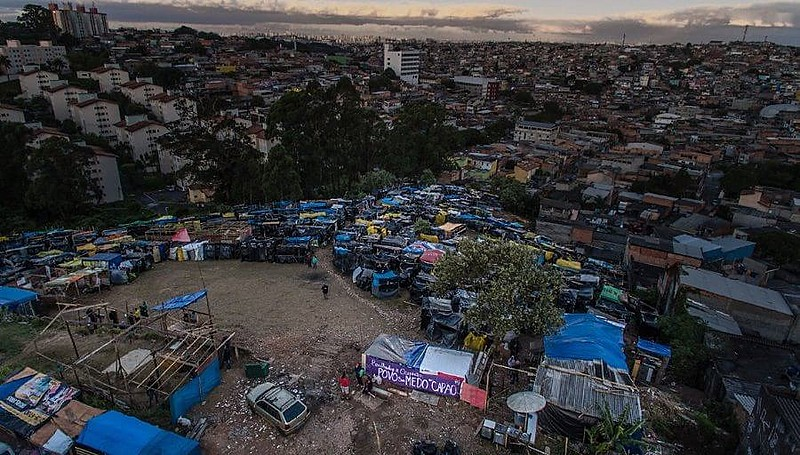 Vista aérea da ocupação Povo Sem Medo do Capão, no Capão Redondo, periferia paulistana