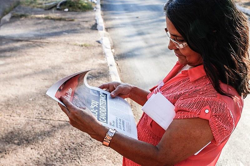 Edição especial do Brasil de Fato foi distribuído no local