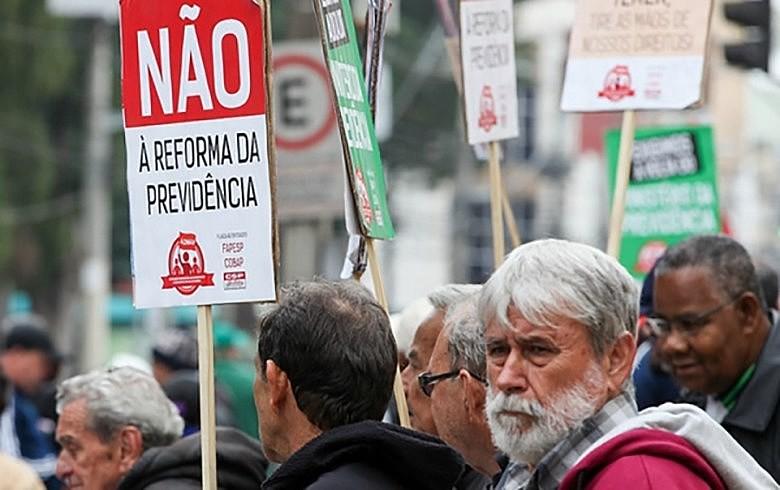 Trabalhadores são contra a reforma que deve ser enviada pelo governo Bolsonaro até o fim do mês ao Congresso
